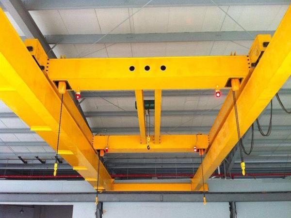 侧板吊运机械